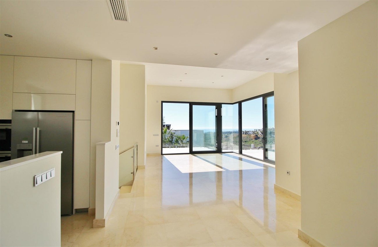 Luxury Contemporary for sale Benahavis Spain (6) (Large)