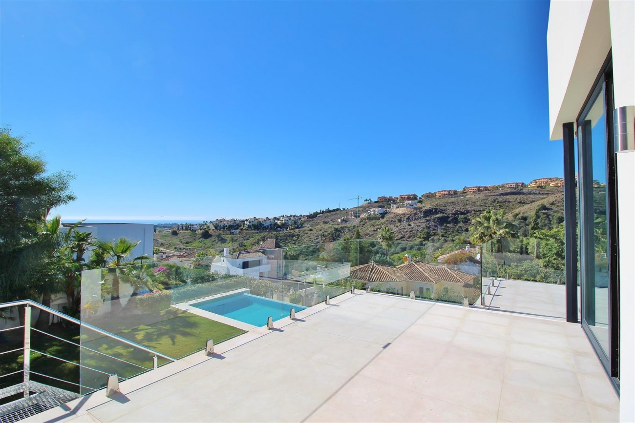 Luxury Contemporary for sale Benahavis Spain (10) (Large)