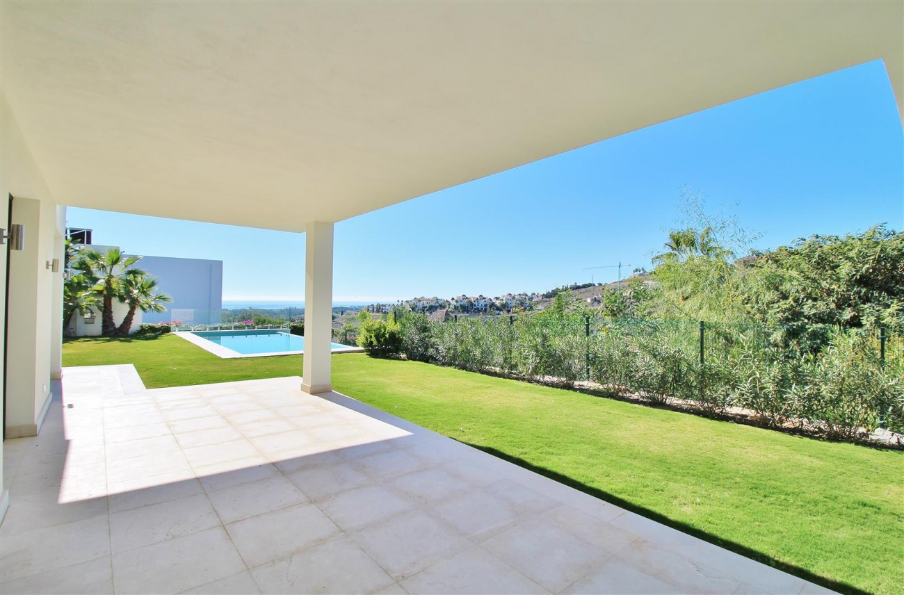 Luxury Contemporary for sale Benahavis Spain (18) (Large)