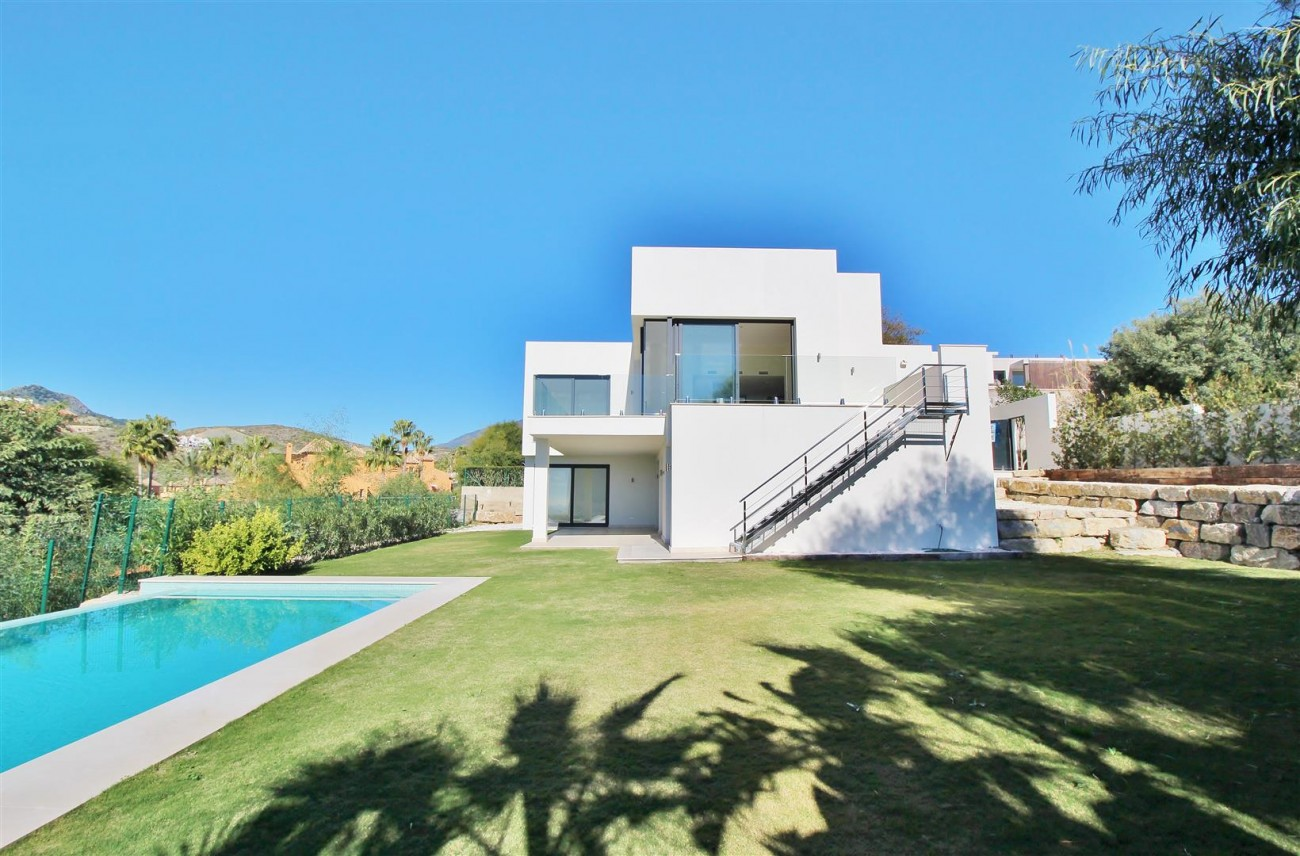 Luxury Contemporary for sale Benahavis Spain (19) (Large)
