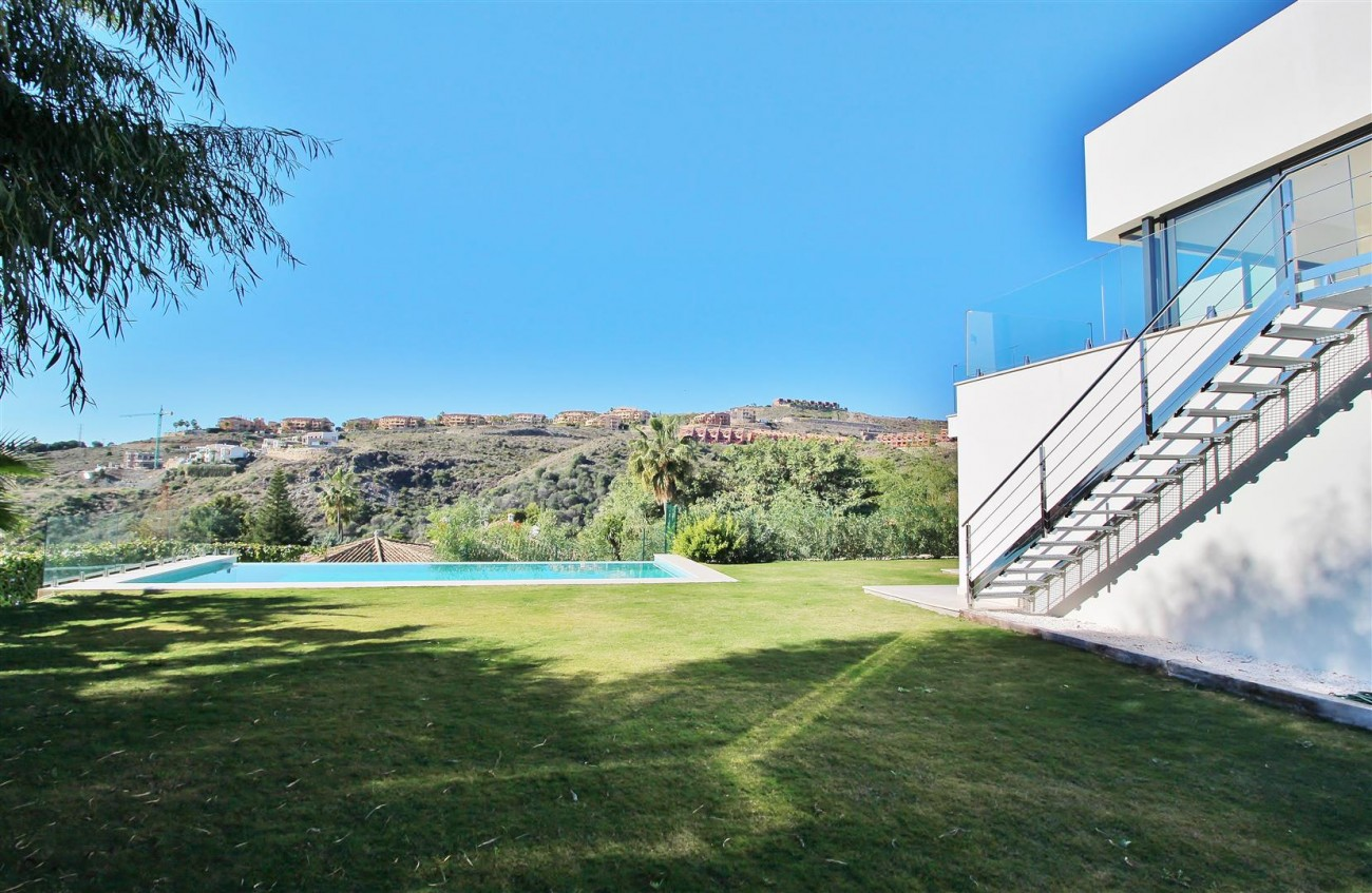 Luxury Contemporary for sale Benahavis Spain (22) (Large)