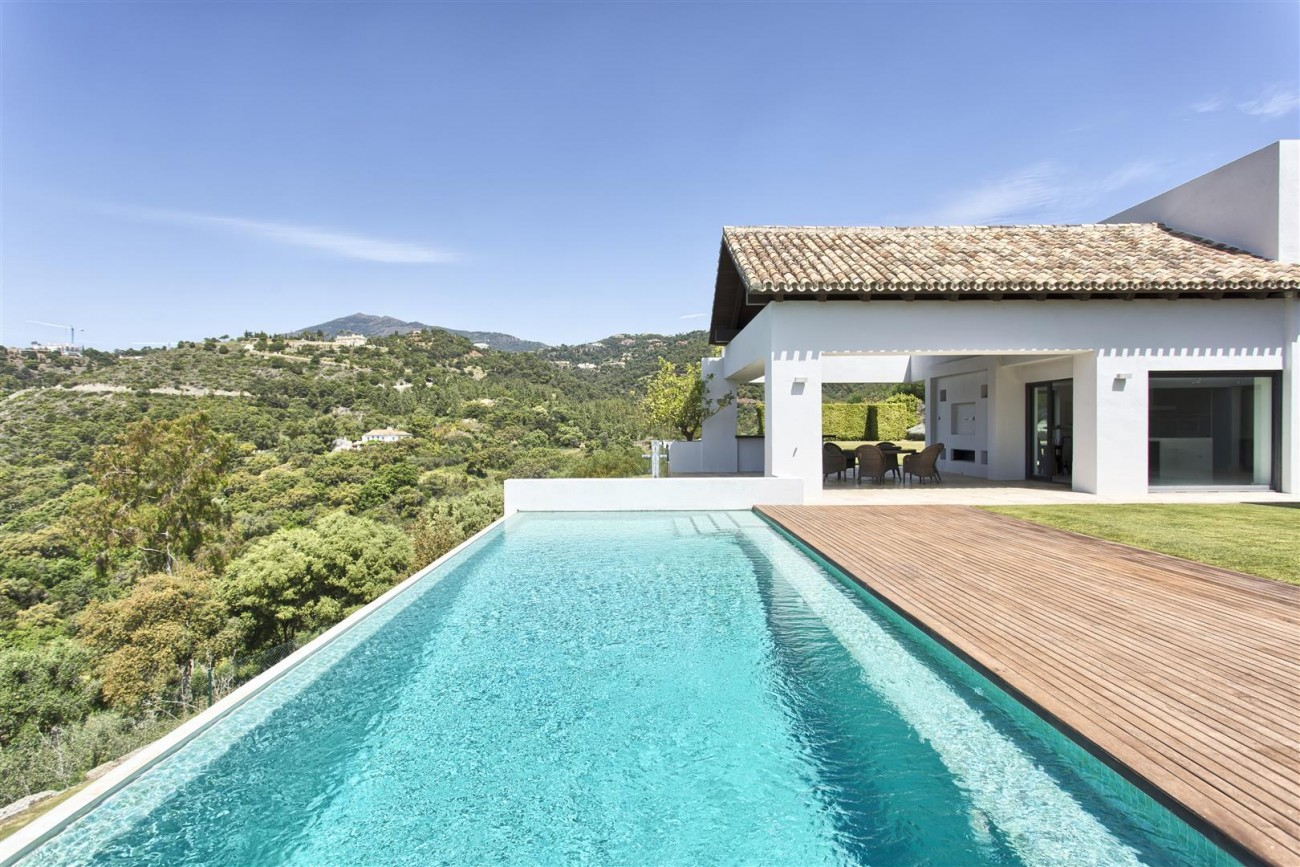 Contemporary Style Villa for sale Benahavis Spain (2) (Large)