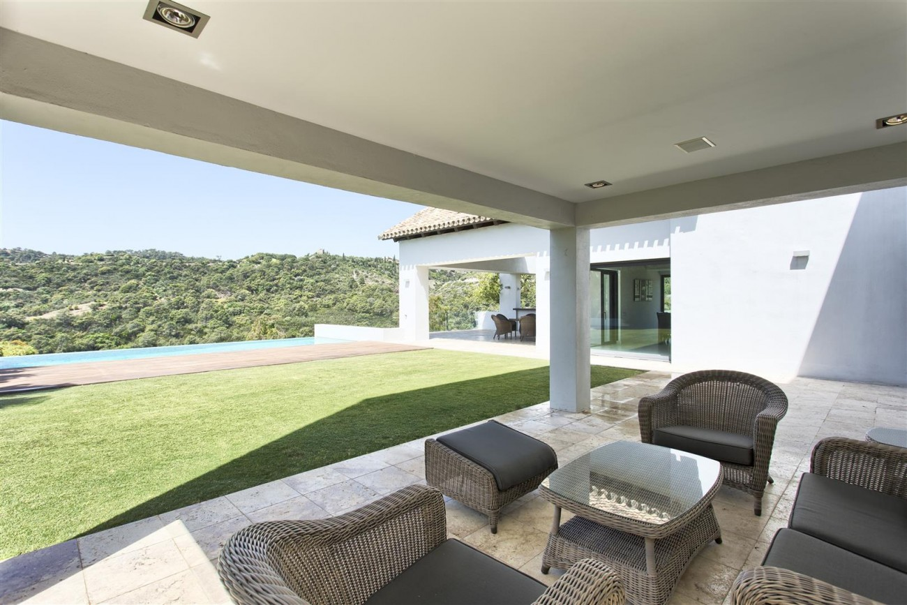Contemporary Style Villa for sale Benahavis Spain (7) (Large)