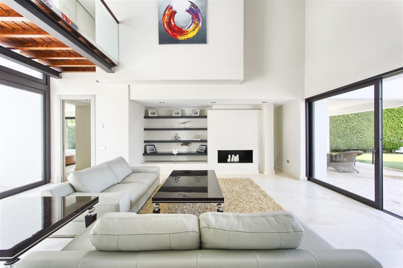 Contemporary Style Villa for sale Benahavis Spain (8) (Large)
