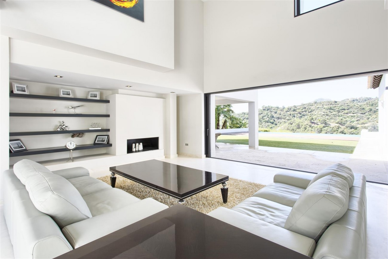 Contemporary Style Villa for sale Benahavis Spain (9) (Large)