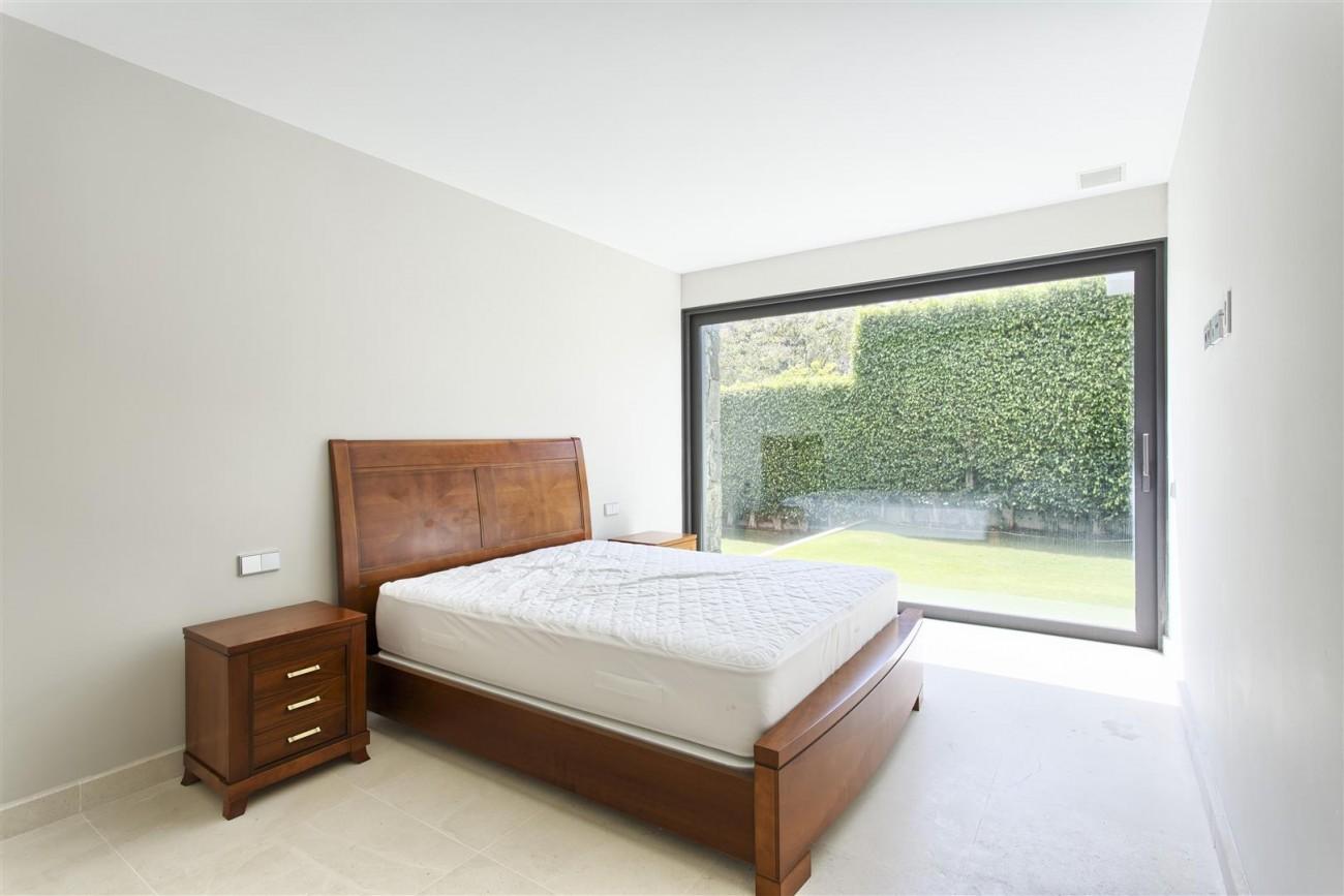 Contemporary Style Villa for sale Benahavis Spain (13) (Large)