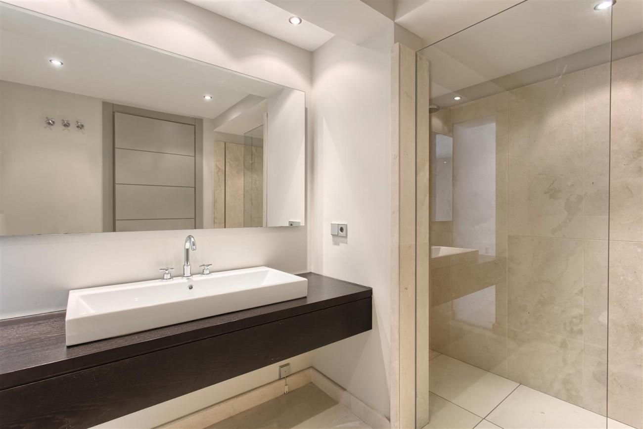Contemporary Style Villa for sale Benahavis Spain (16) (Large)
