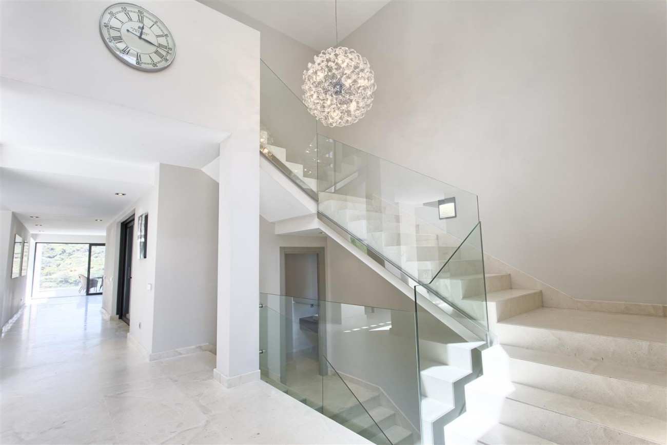 Contemporary Style Villa for sale Benahavis Spain (17) (Large)