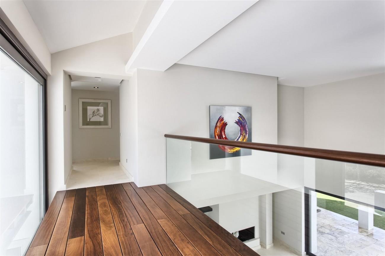 Contemporary Style Villa for sale Benahavis Spain (18) (Large)