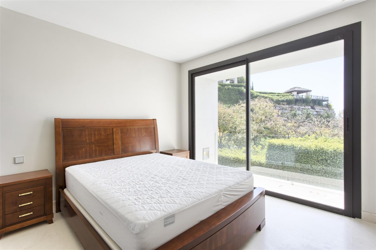 Contemporary Style Villa for sale Benahavis Spain (19) (Large)