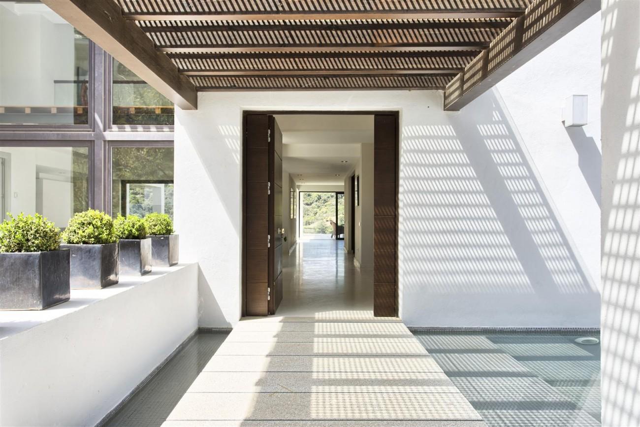 Contemporary Style Villa for sale Benahavis Spain (24) (Large)
