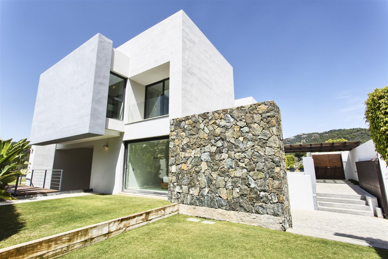 Contemporary Style Villa for sale Benahavis Spain (25) (Large)