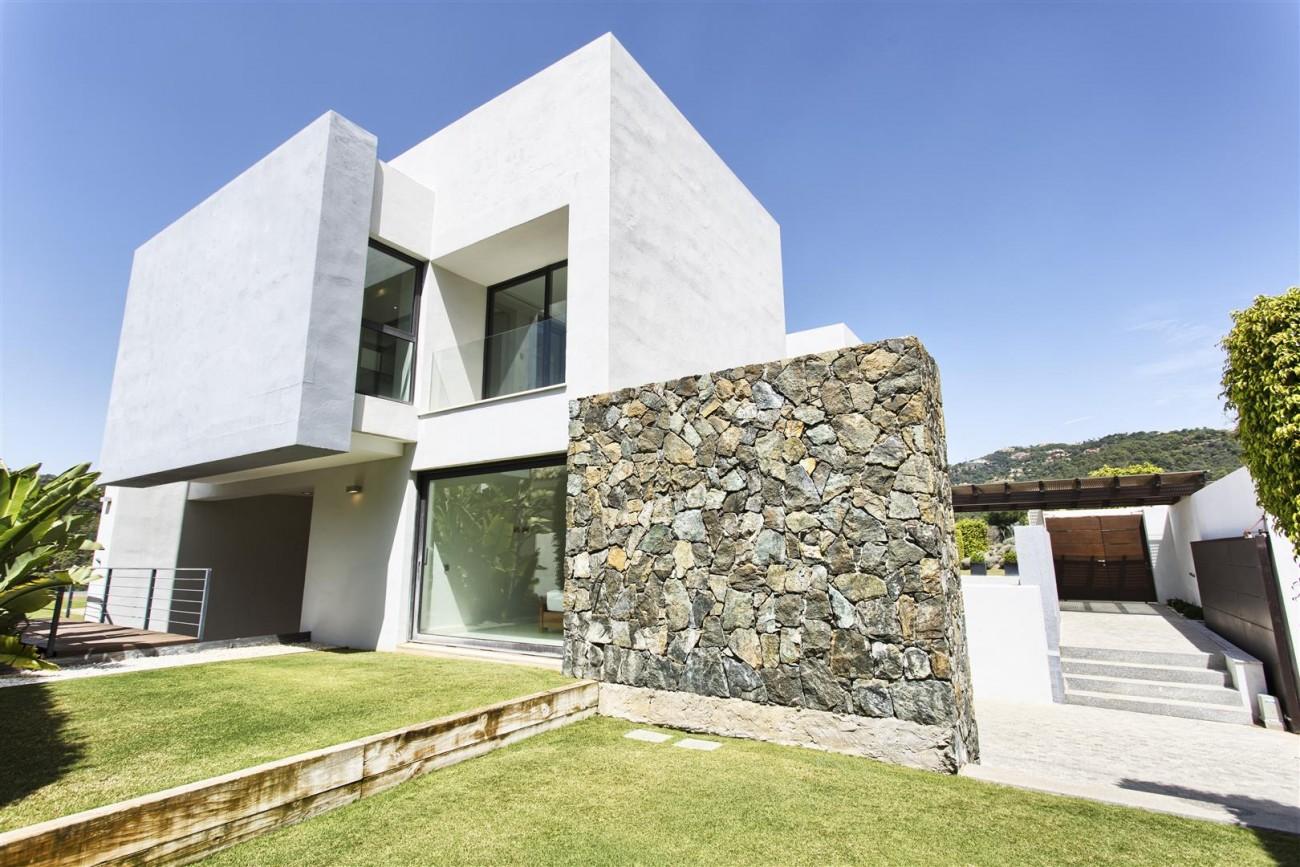 Contemporary Style Villa for sale Benahavis Spain (25) (Large)