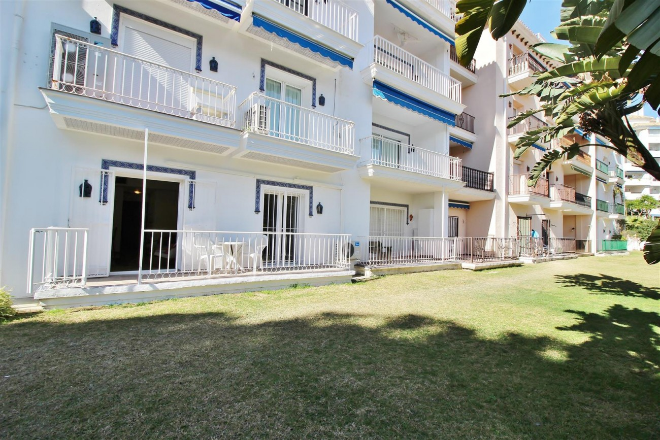 Groundfloor Apartment Beachfront Puerto Banus for sale Marbella Spain (6) (Large)