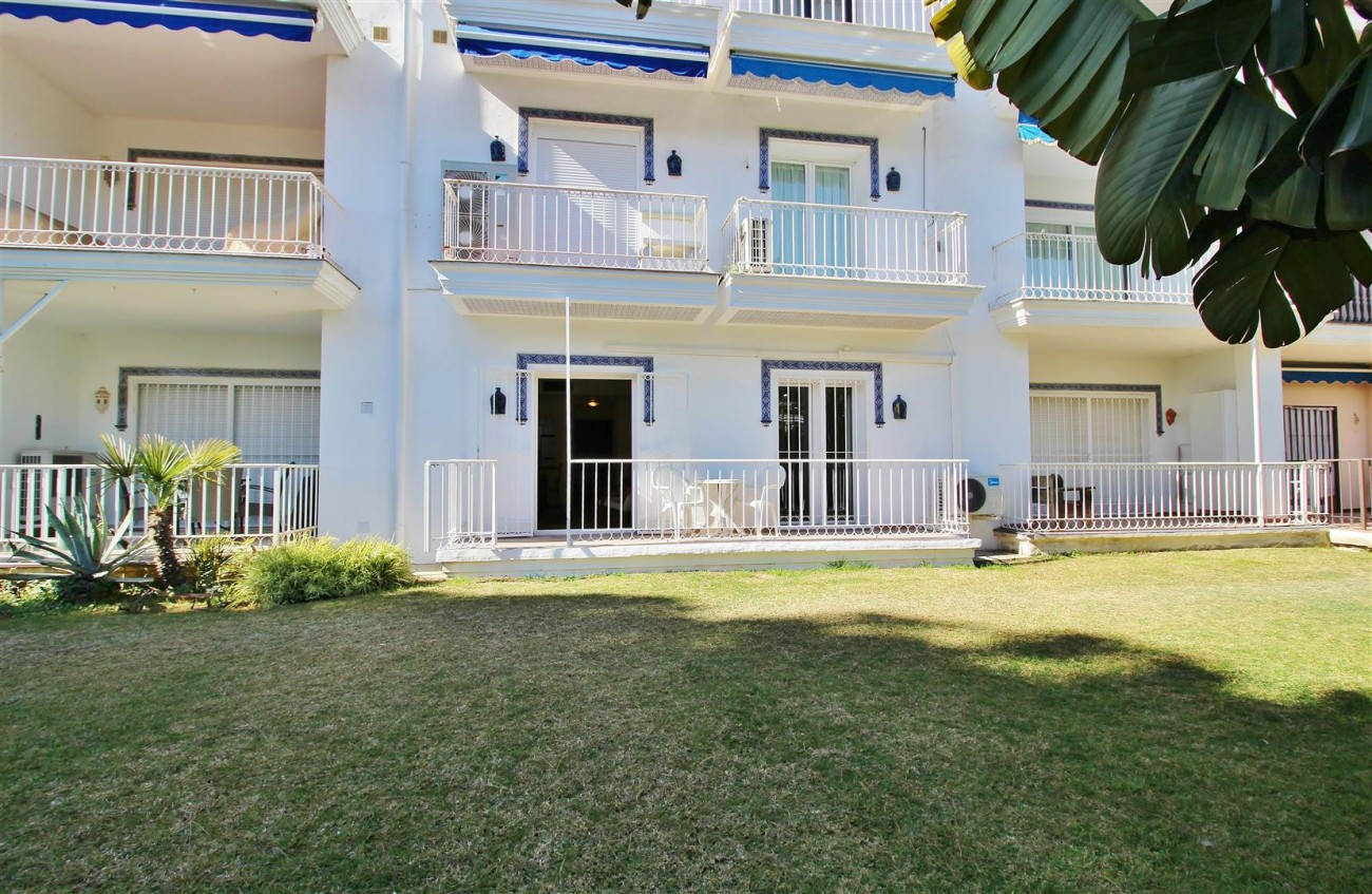 Groundfloor Apartment Beachfront Puerto Banus for sale Marbella Spain (9) (Large)