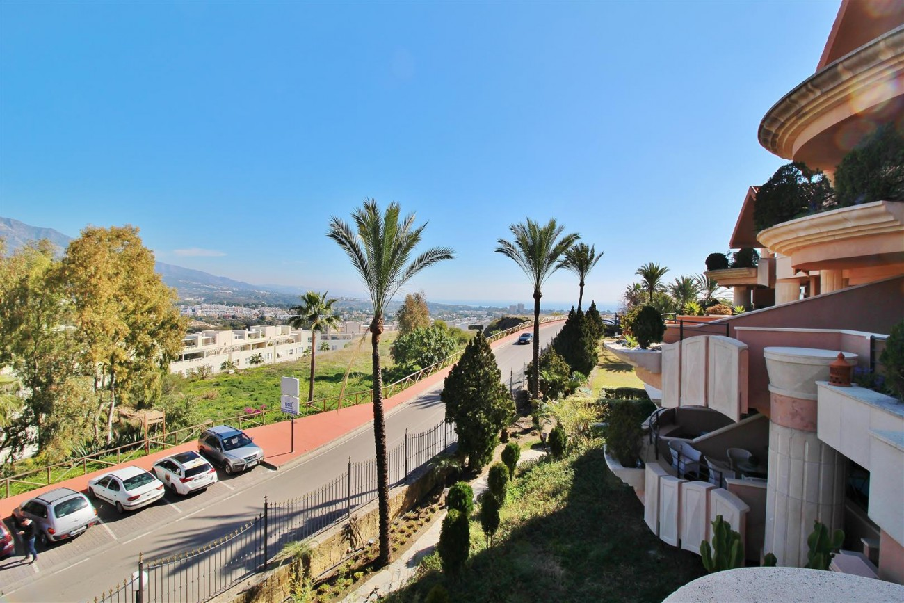 Beautiful Apartment for sale Nueva Andalucia Marbella Spain (7) (Large)