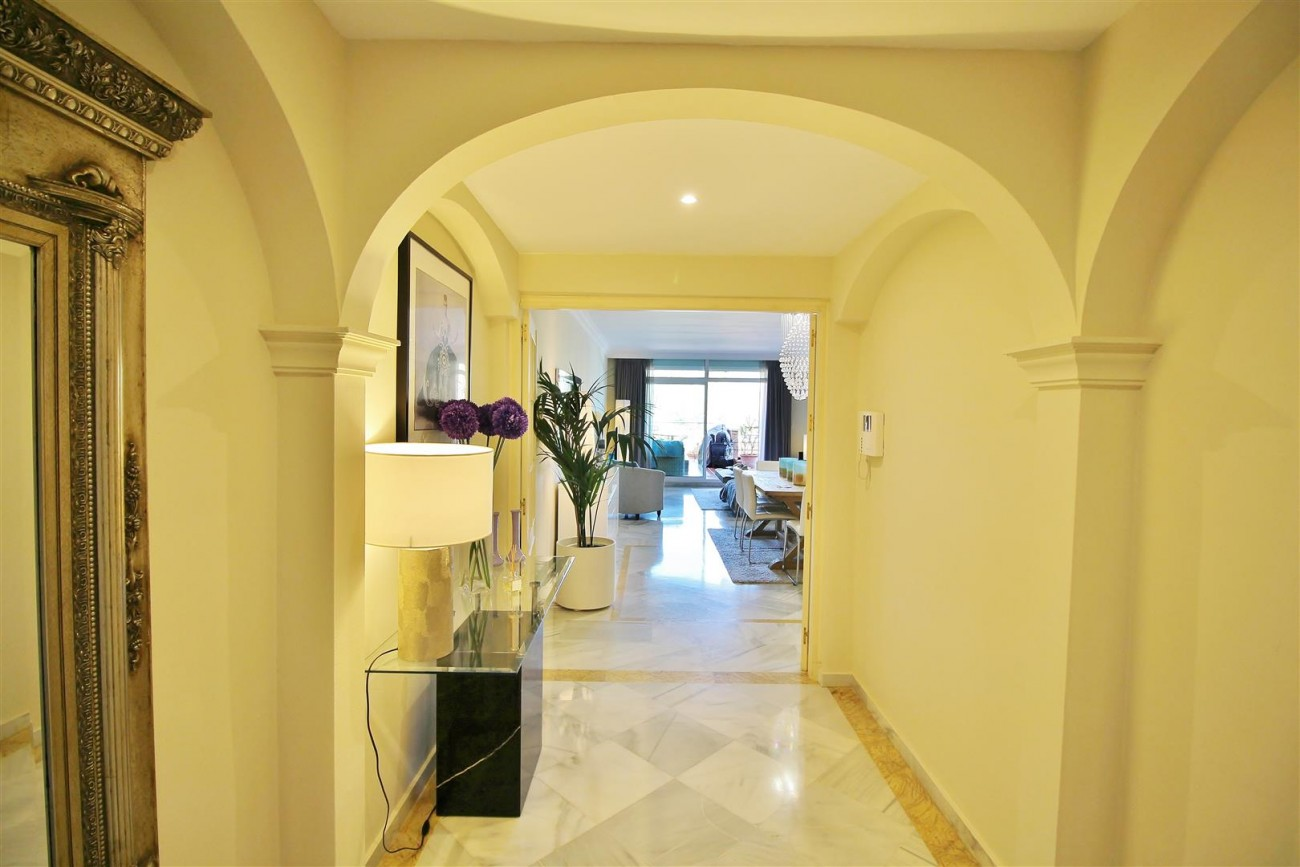 Beautiful Apartment for sale Nueva Andalucia Marbella Spain (20) (Large)
