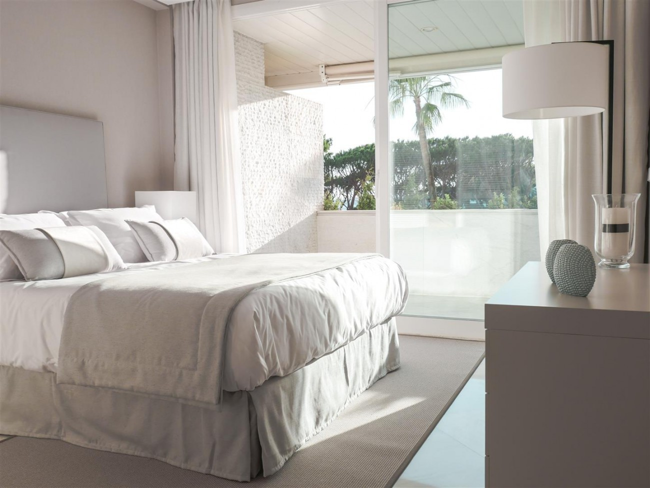 Beachfront Apartment Marbella Golden Mile (3) (Large)