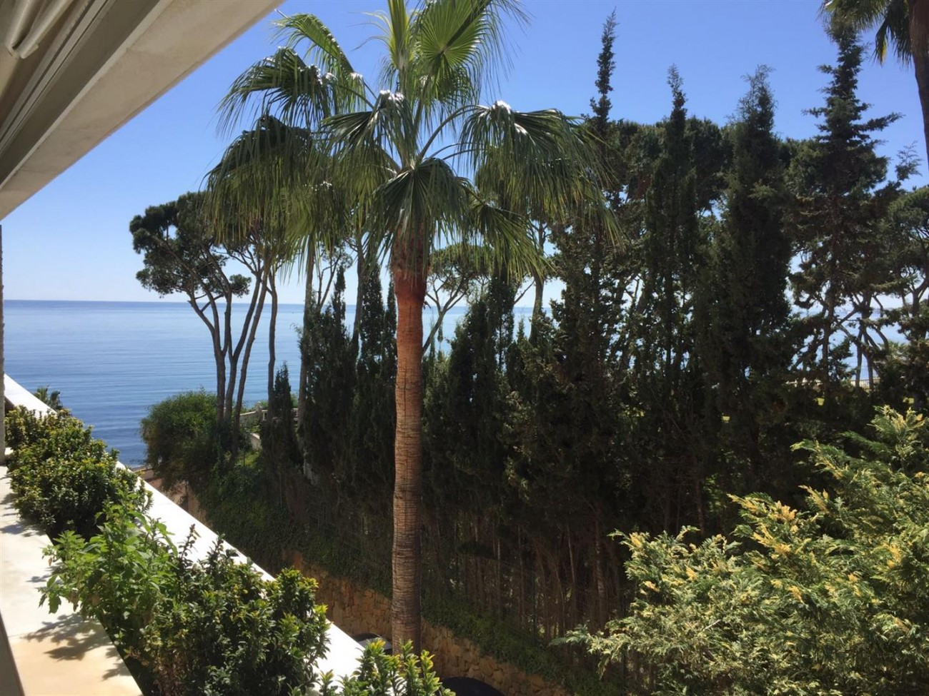 Beachfront Apartment Marbella Golden Mile (8) (Large)