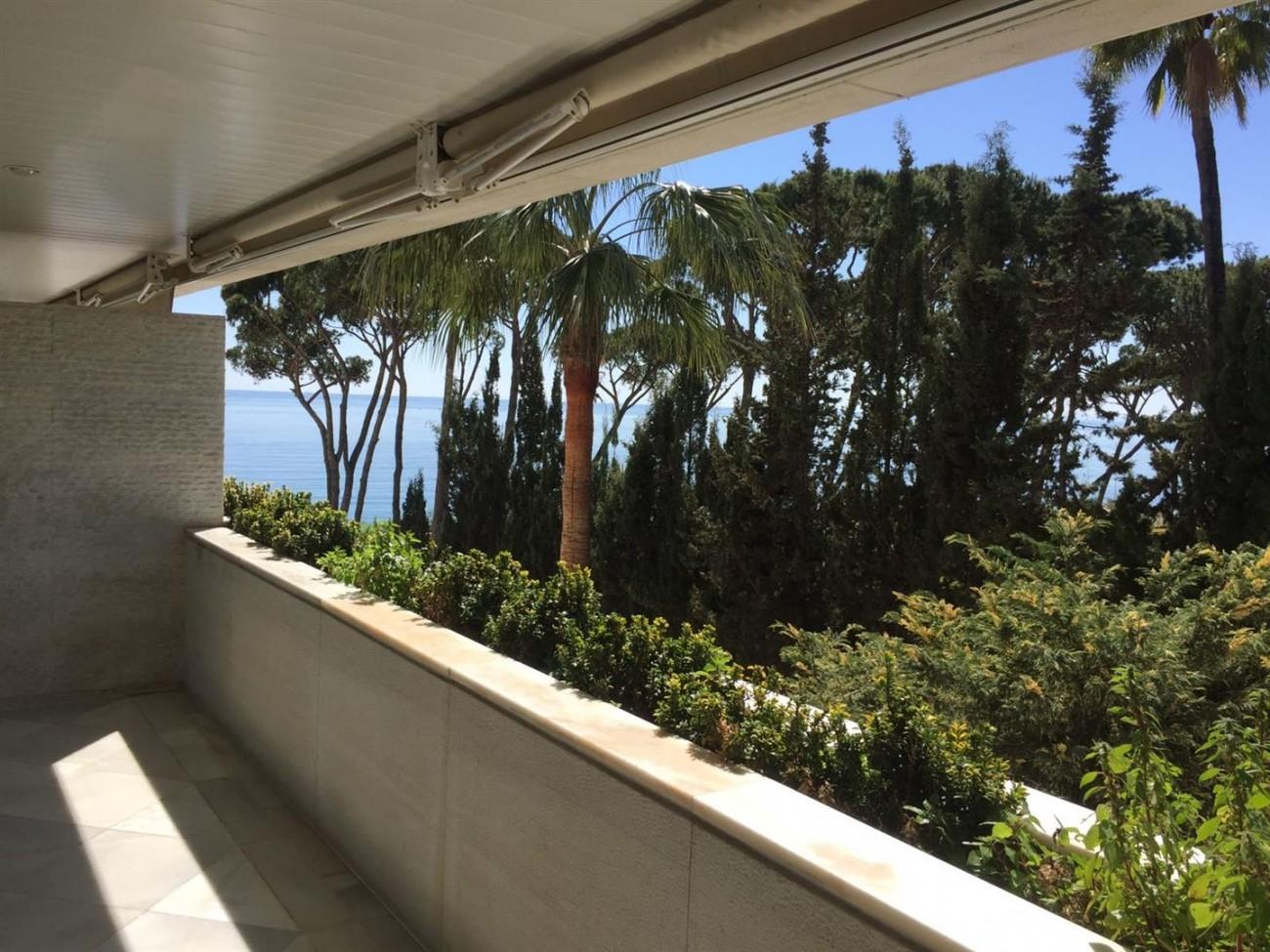 Beachfront Apartment Marbella Golden Mile (9) (Large)