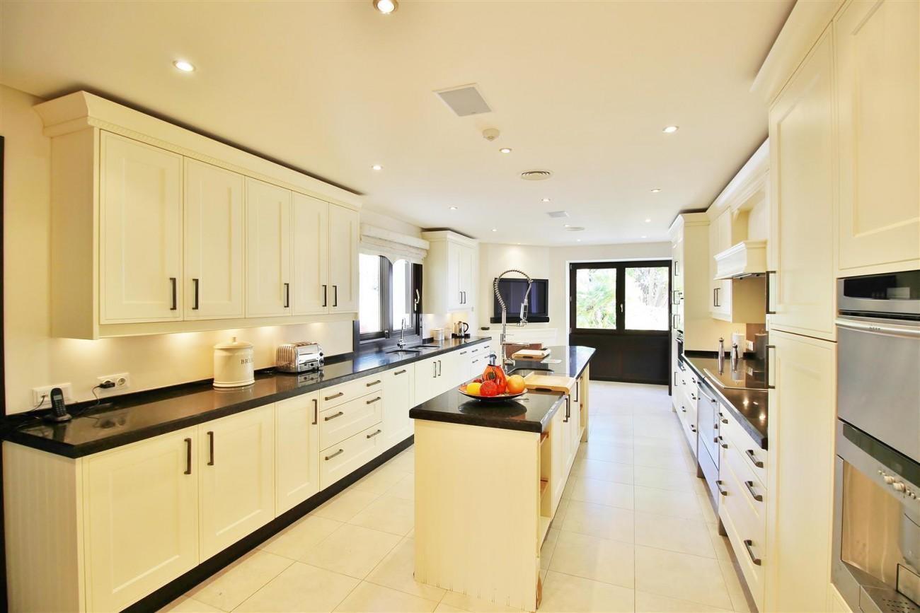 Luxury Villa For Sale Benahavis Spain (1) (Large)