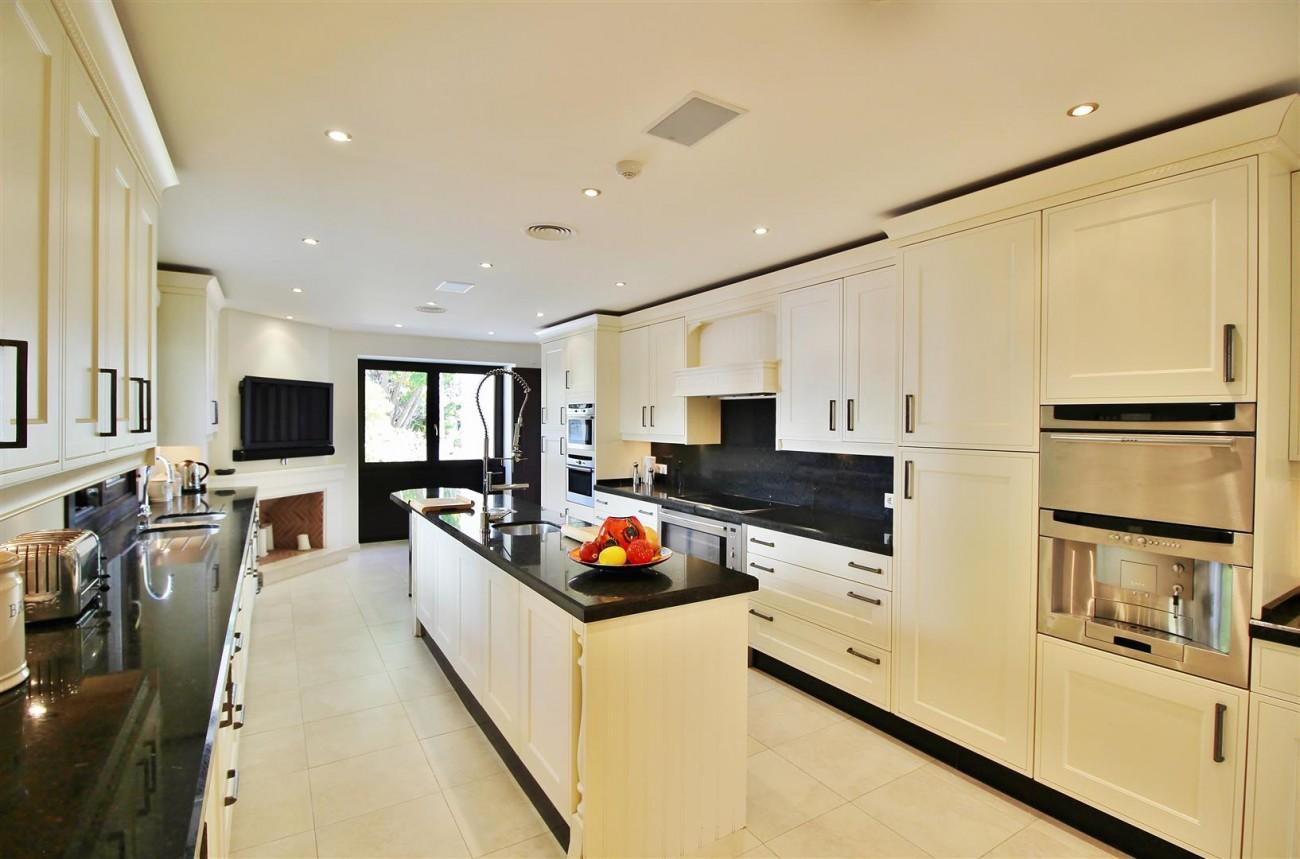 Luxury Villa For Sale Benahavis Spain (2) (Large)