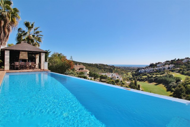 Villa for Sale - 3.650.000€ - Benahavís, Costa del Sol - Ref: 5843