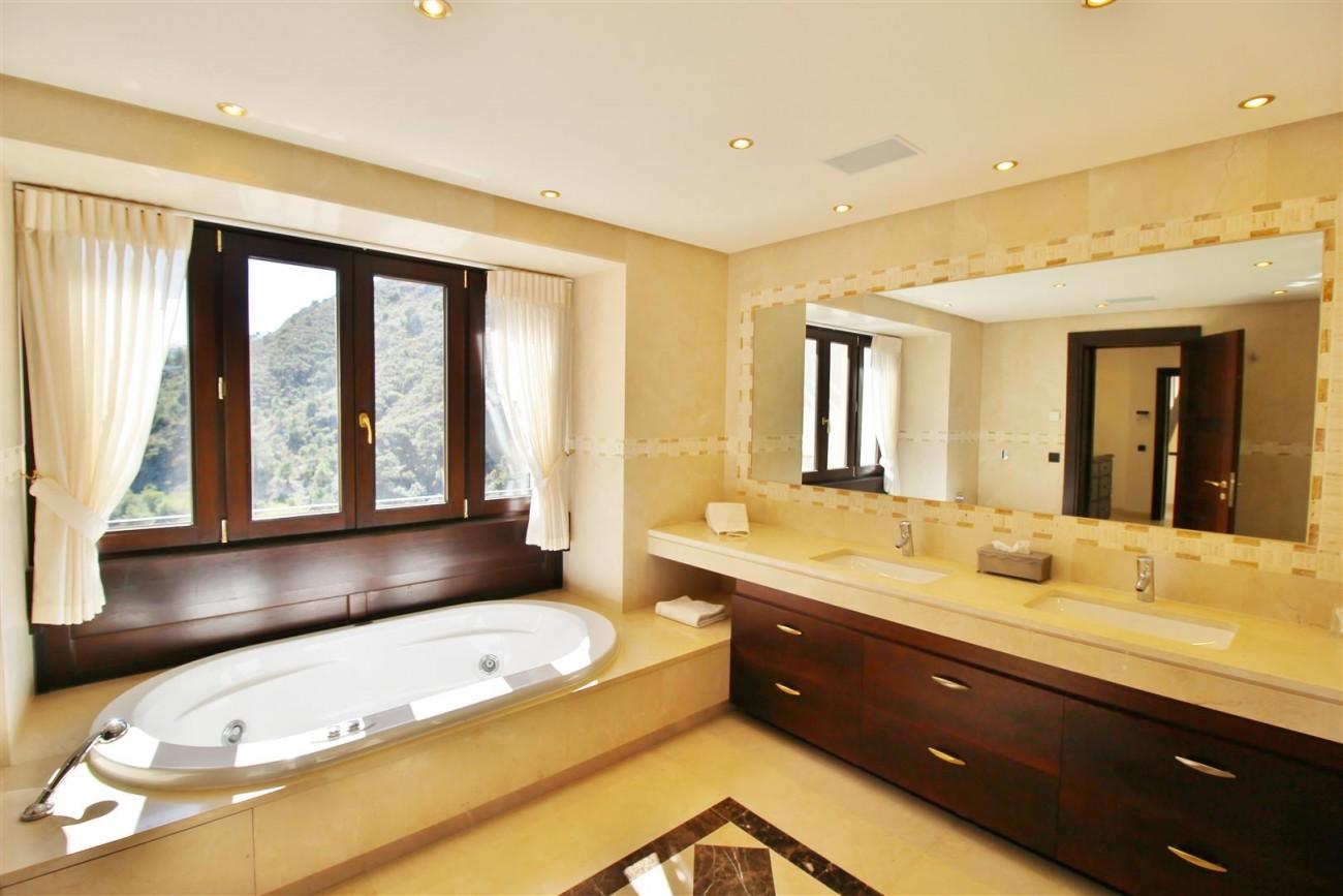 Luxury Villa For Sale Benahavis Spain (26) (Large)