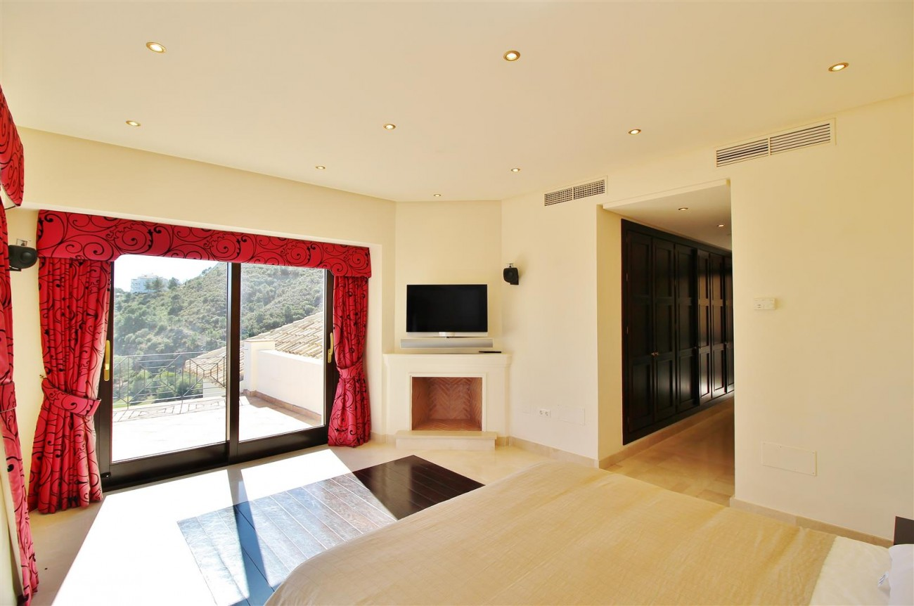 Luxury Villa For Sale Benahavis Spain (31) (Large)