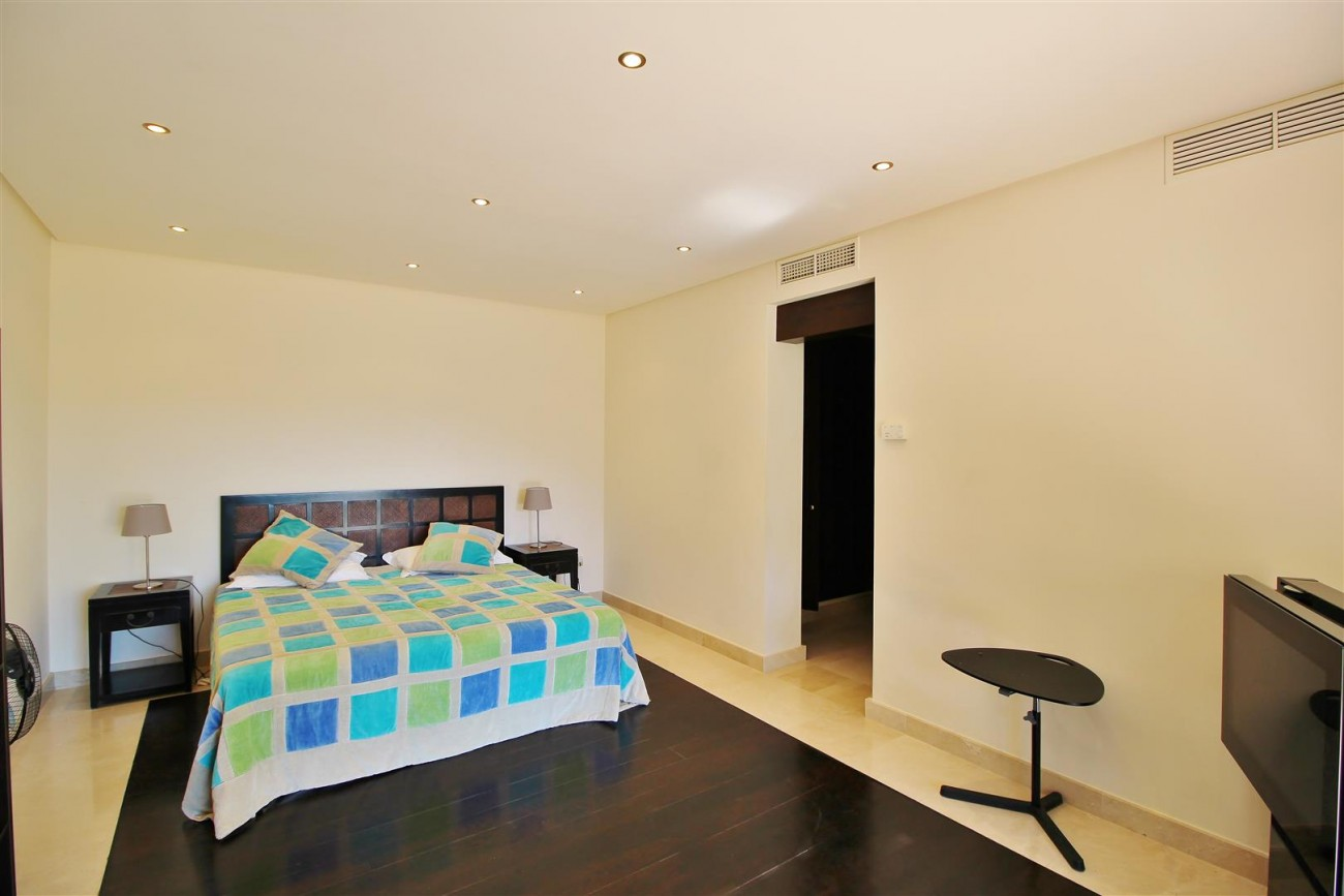 Luxury Villa For Sale Benahavis Spain (36) (Large)