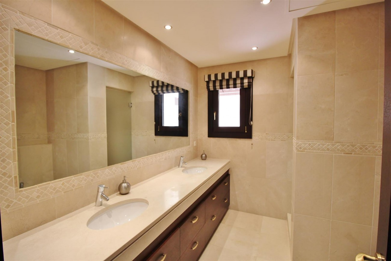 Luxury Villa For Sale Benahavis Spain (41) (Large)