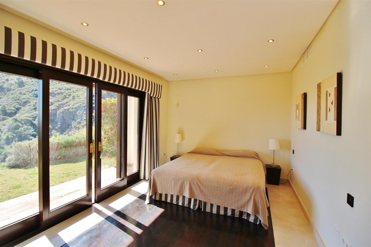 Luxury Villa For Sale Benahavis Spain (42) (Large)