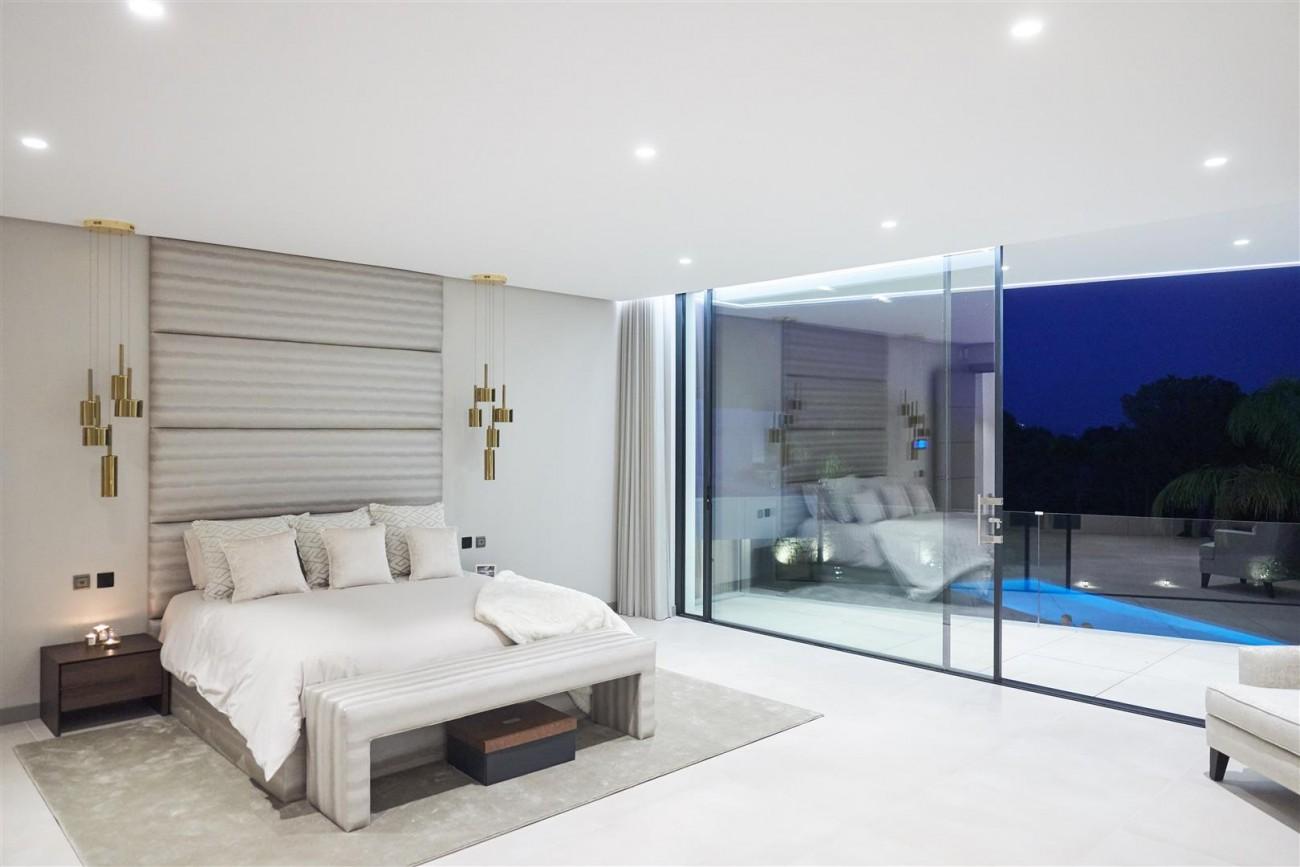 Exclusive Contemporary Villa for sale Benahavis Spain (14) (Large)