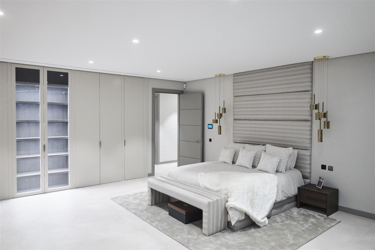 Exclusive Contemporary Villa for sale Benahavis Spain (15) (Large)