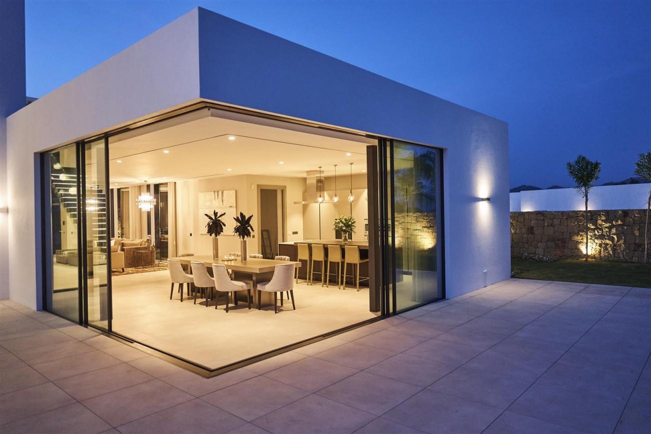 Exclusive Contemporary Villa for sale Benahavis Spain (20) (Large)