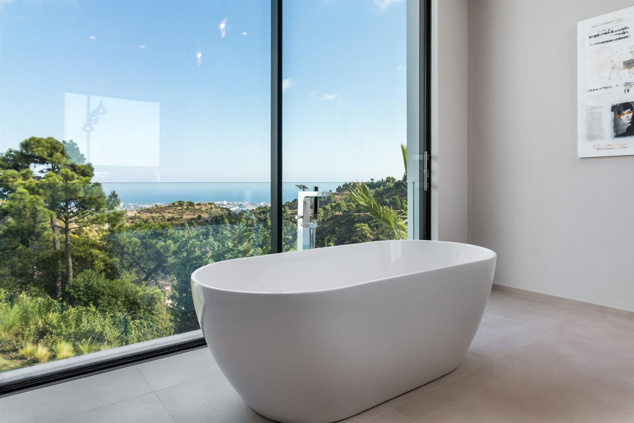 Exclusive Contemporary Villa for sale Benahavis Spain (25) (Large)