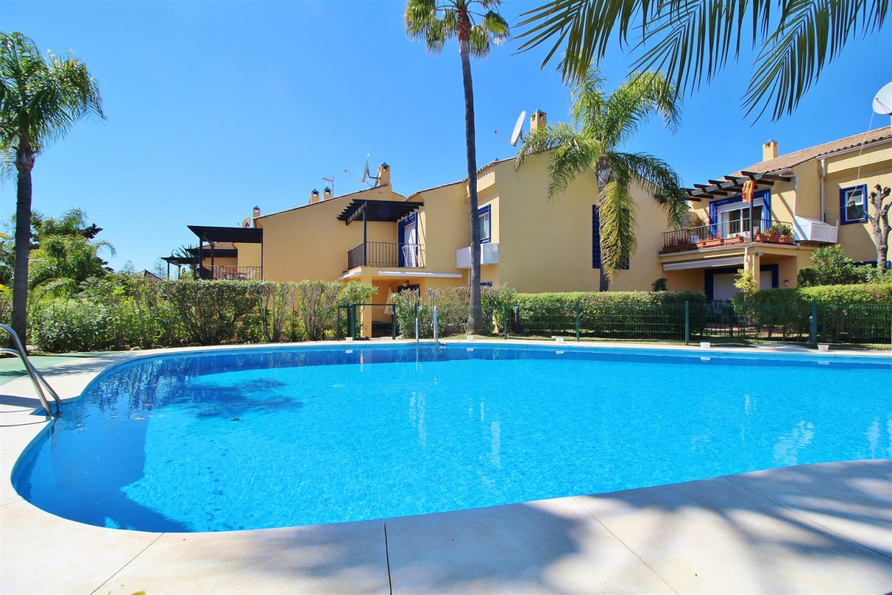 Townhouse for sale Puerto Banus marbella Spain (4) (Large)