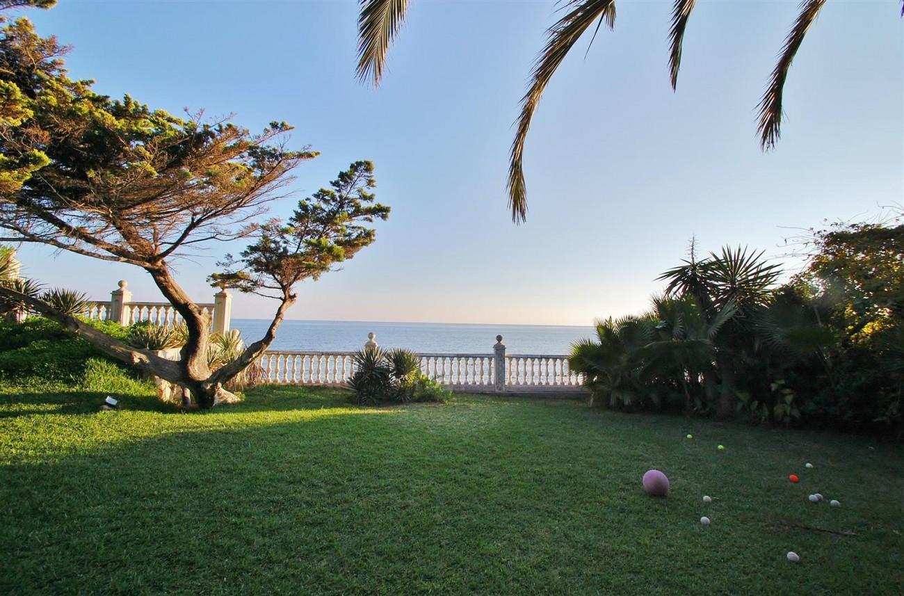 Beachfront villa for sale Mijas Costa Spain (4) (Large)