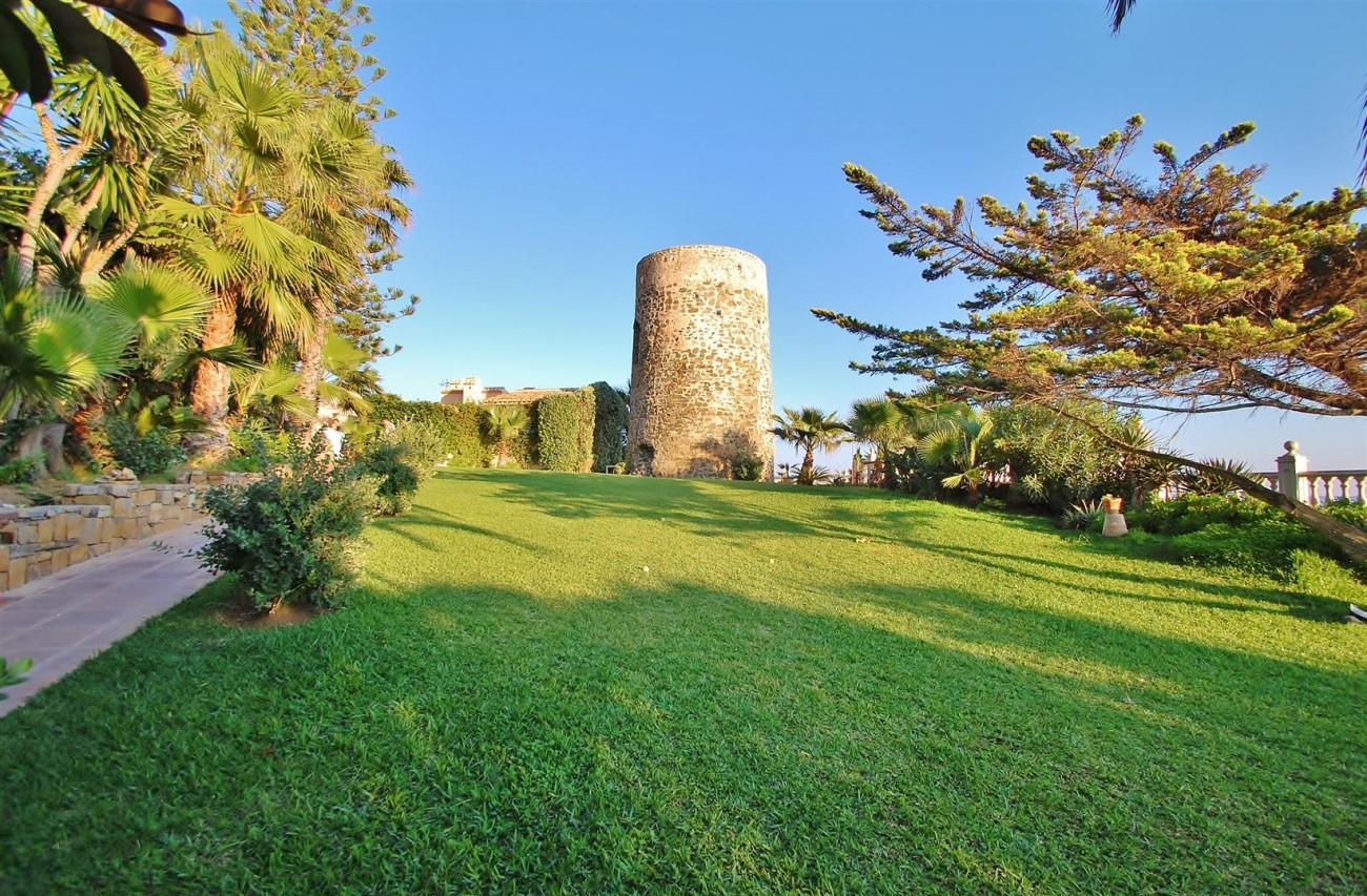 Beachfront villa for sale Mijas Costa Spain (5) (Large)