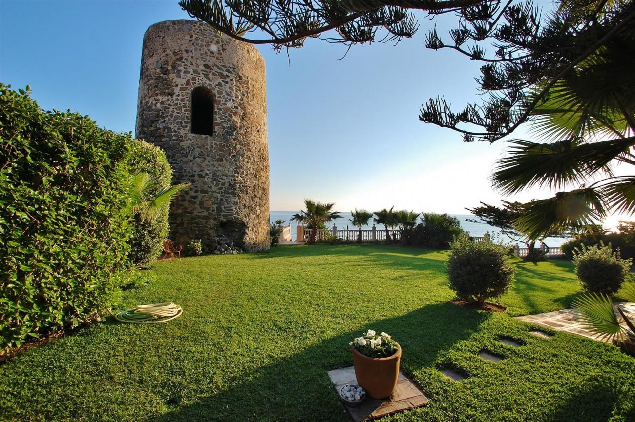 Beachfront villa for sale Mijas Costa Spain (7) (Large)