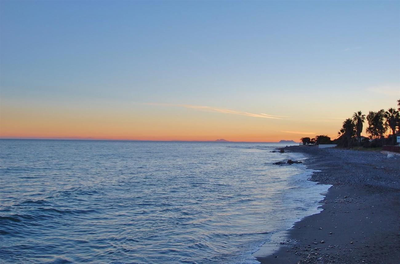 Beachfront villa for sale Mijas Costa Spain (8) (Large)