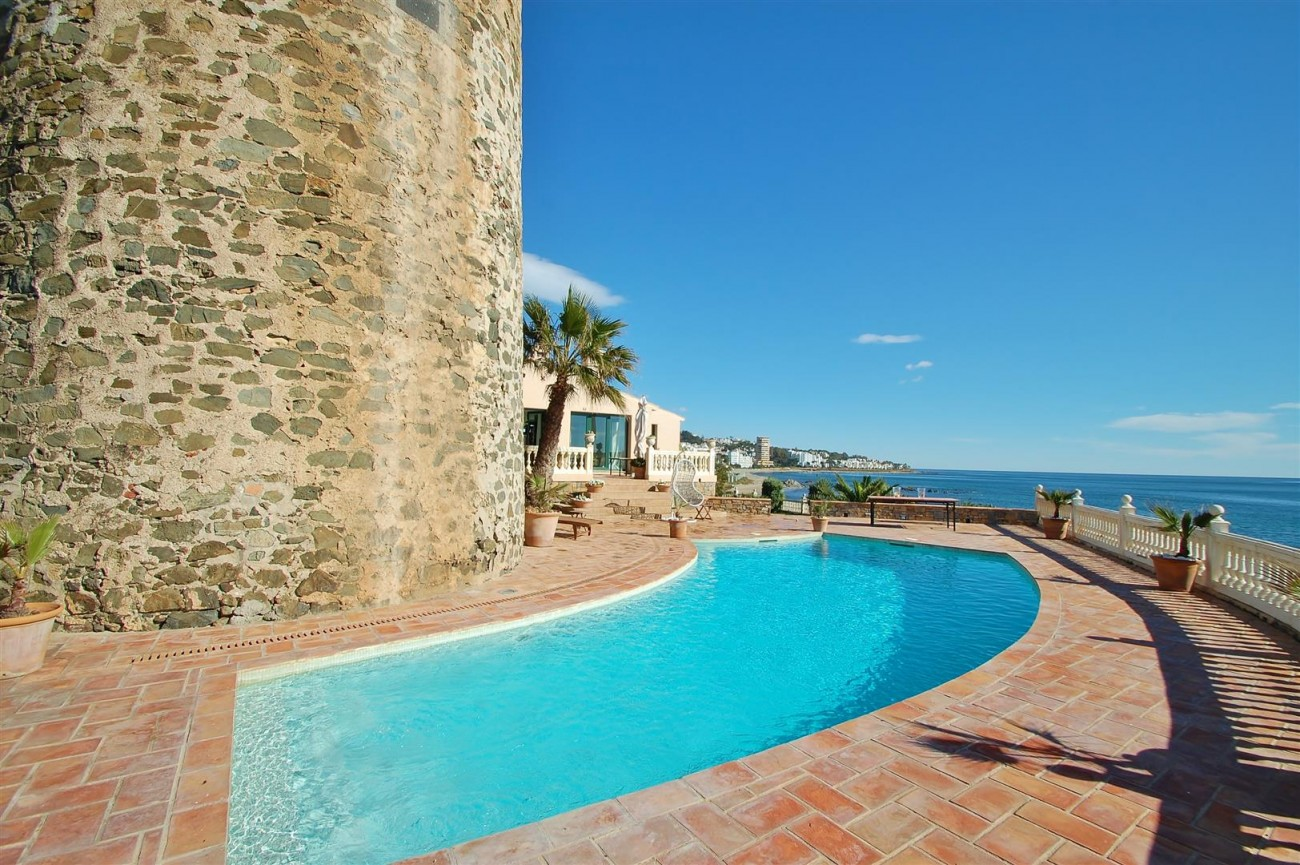 Beachfront villa for sale Mijas Costa Spain (9) (Large)