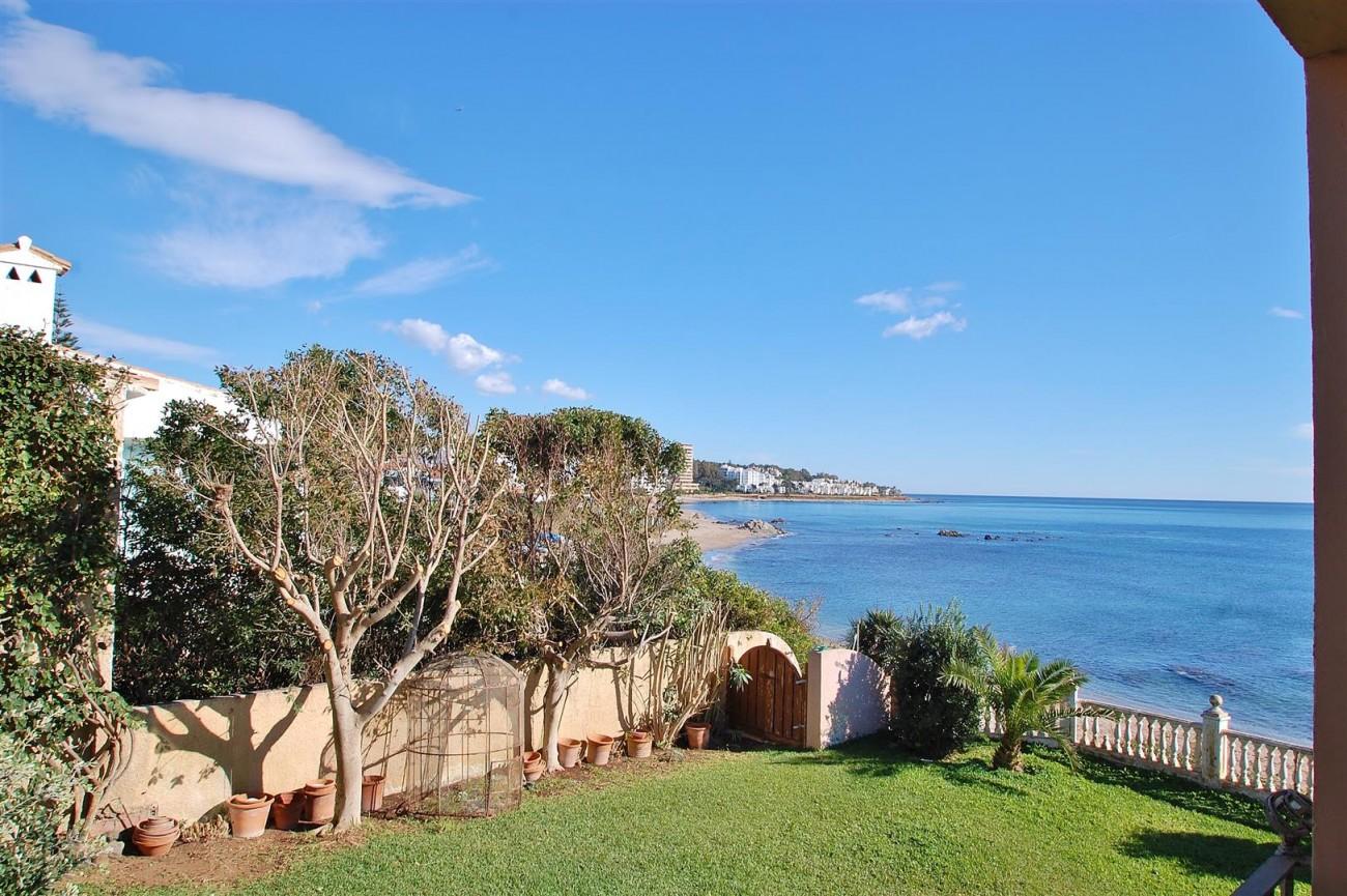 Beachfront villa for sale Mijas Costa Spain (11) (Large)