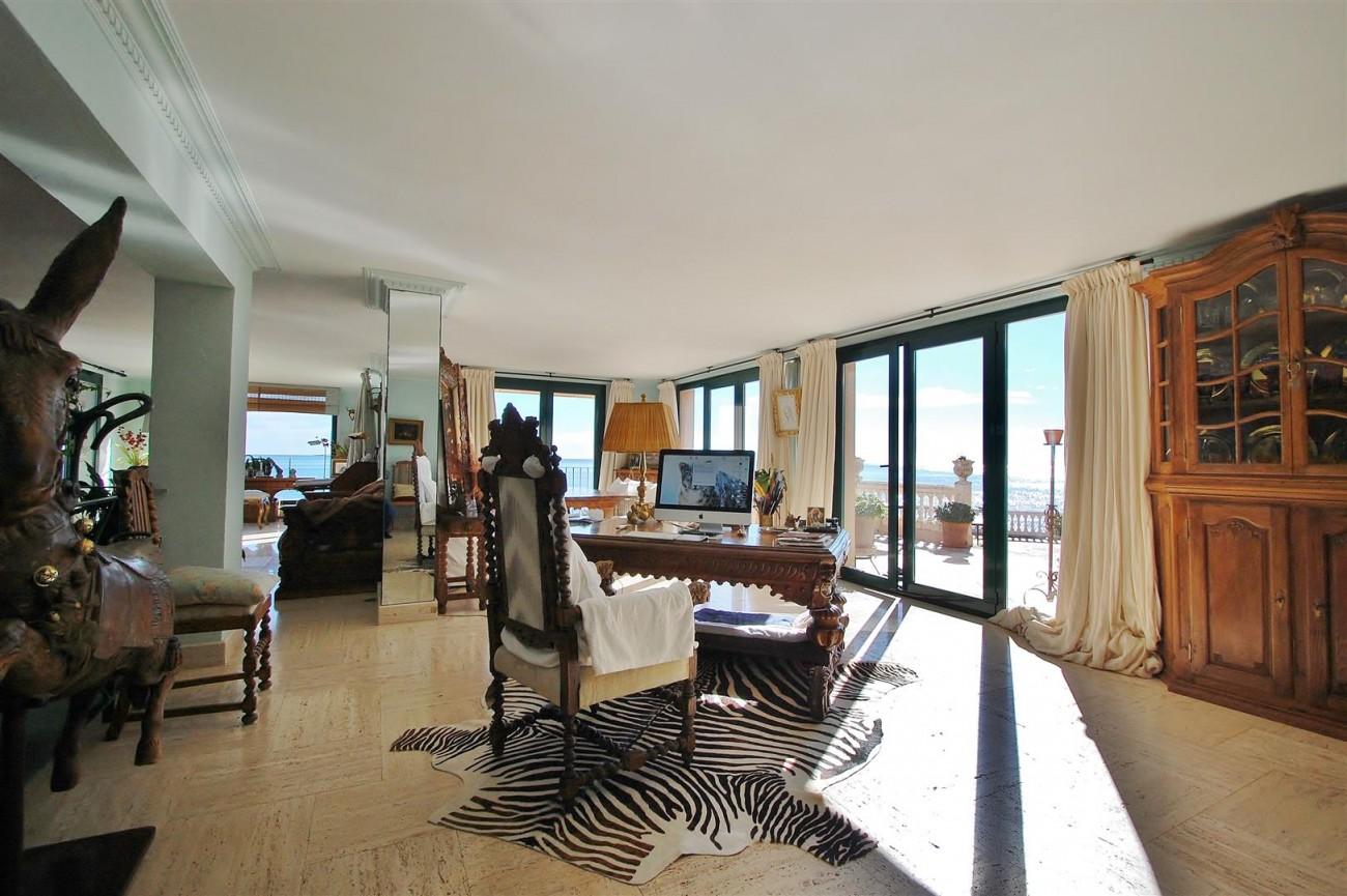 Beachfront villa for sale Mijas Costa Spain (12) (Large)