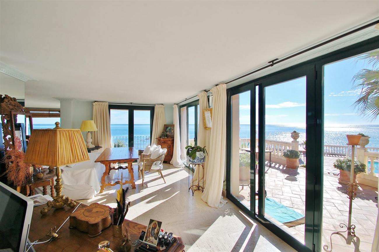 Beachfront villa for sale Mijas Costa Spain (13) (Large)