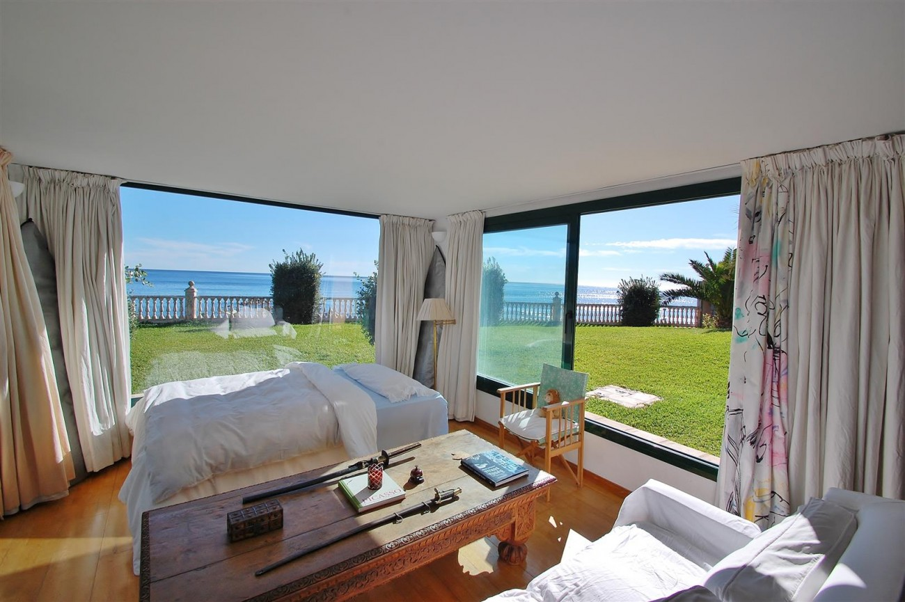 Beachfront villa for sale Mijas Costa Spain (18) (Large)