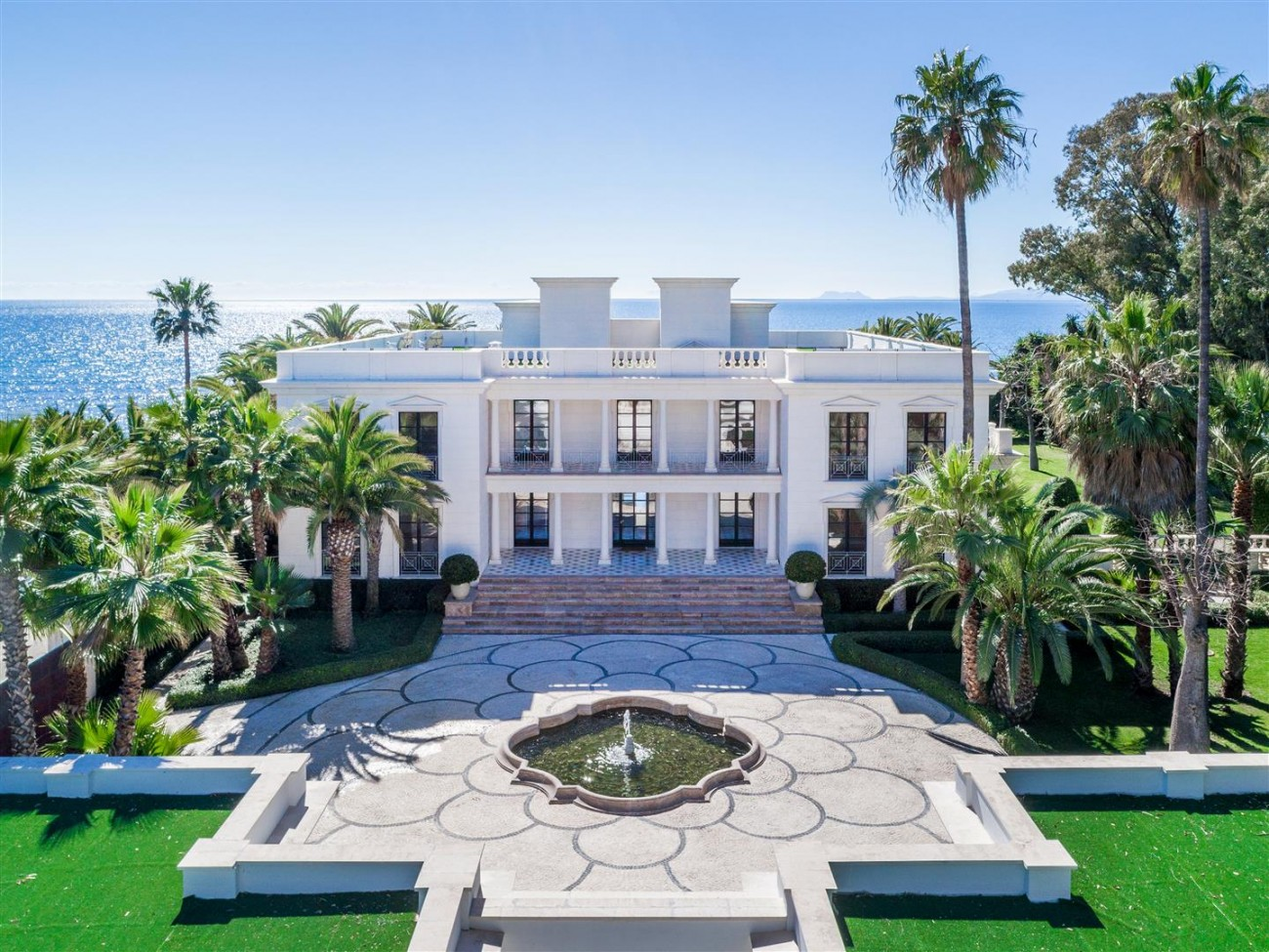 Modern Beachfront Palace for Sale close to Puerto Banus Spain (1)