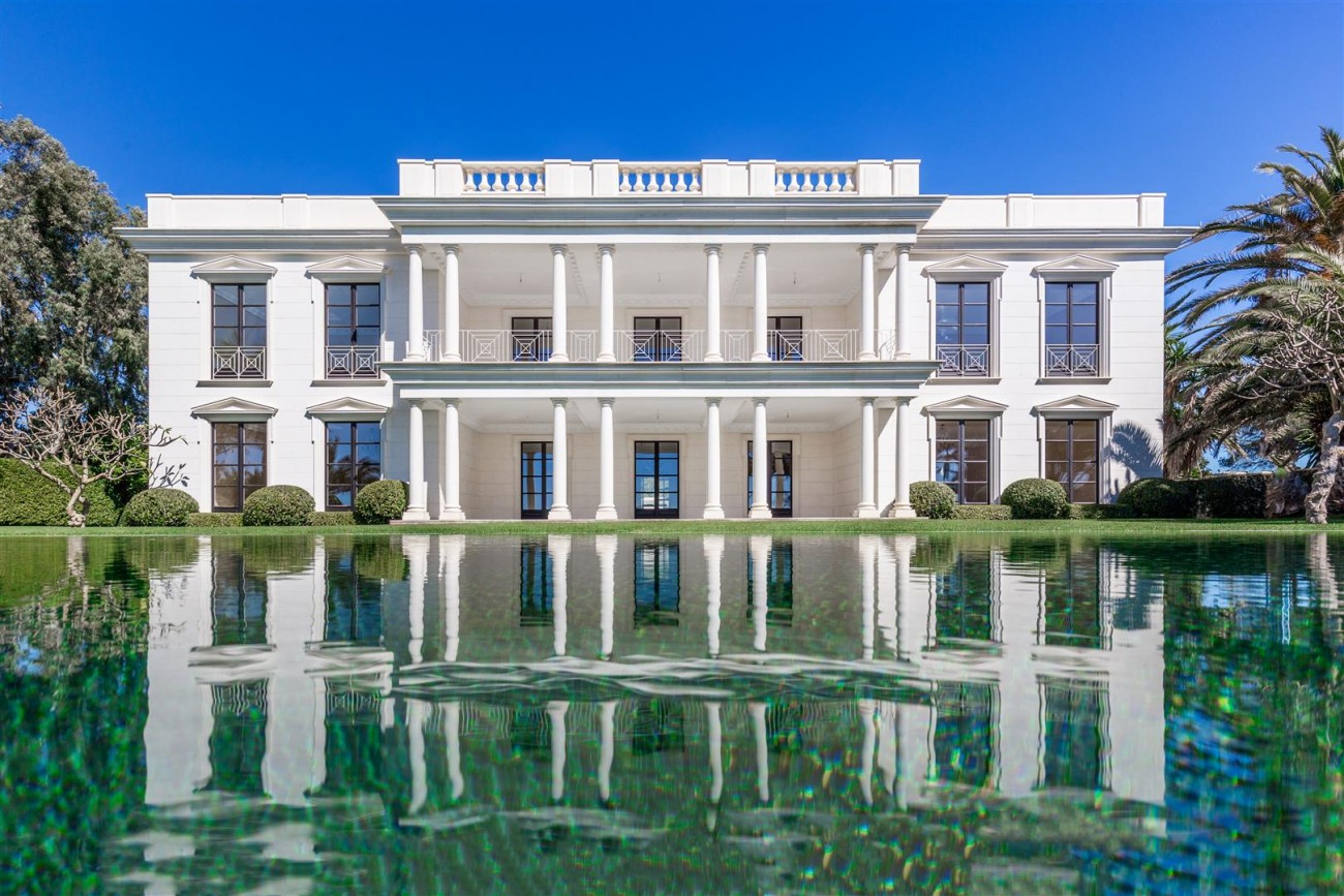 Modern Beachfront Palace for Sale close to Puerto Banus Spain (12)