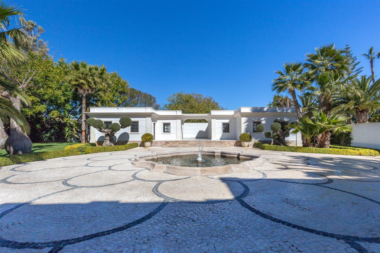 Modern Beachfront Palace for Sale close to Puerto Banus Spain (14)
