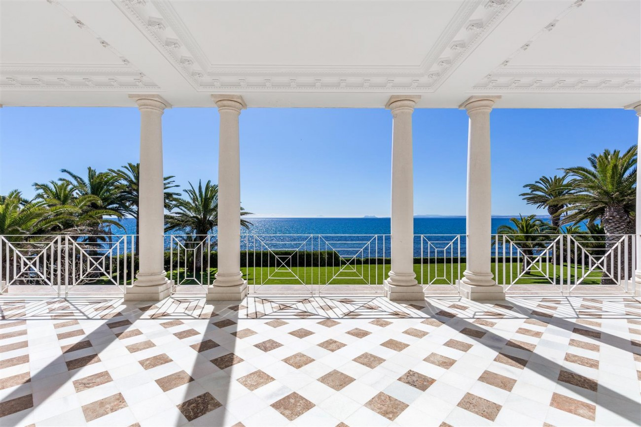 Modern Beachfront Palace for Sale close to Puerto Banus Spain (20)